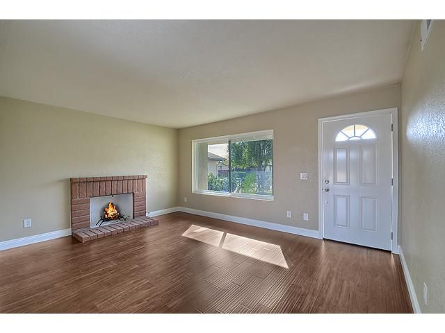 Photo 3: Photos: MIRA MESA House for sale : 3 bedrooms : 9076 Kirby Court in San Diego
