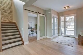 Photo 3: 11 Laxton Place SW in Calgary: North Glenmore Park Detached for sale : MLS®# A1114761
