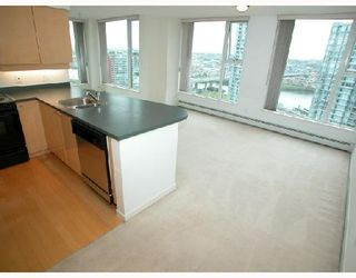 "Photo 14: 2007 1009 EXPO Boulevard in Vancouver: Downtown VW Condo for sale in ""LANDMARK 33S"" (Vancouver West)  : MLS®# V705605"