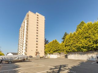 Photo 3: 605 320 ROYAL Avenue in New Westminster: Downtown NW Condo for sale : MLS®# R2605533