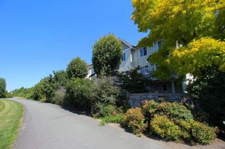 """Photo 2: 76 20540 66 Avenue in Langley: Willoughby Heights Townhouse for sale in """"Amberleigh"""" : MLS®# R2390320"""