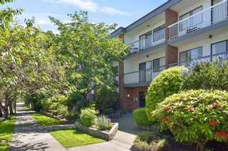 "Photo 1: 301 1950 W 8TH Avenue in Vancouver: Kitsilano Condo for sale in ""MARQUIS MANOR"" (Vancouver West)  : MLS®# R2606307"
