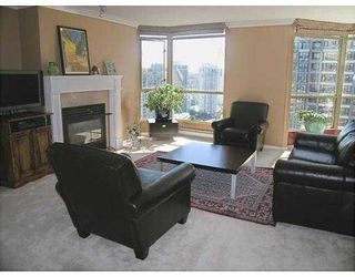 """Photo 2: 2602 867 HAMILTON Street in Vancouver: Downtown VW Condo for sale in """"JARDINE'S LOOKOUT"""" (Vancouver West)  : MLS®# V674303"""
