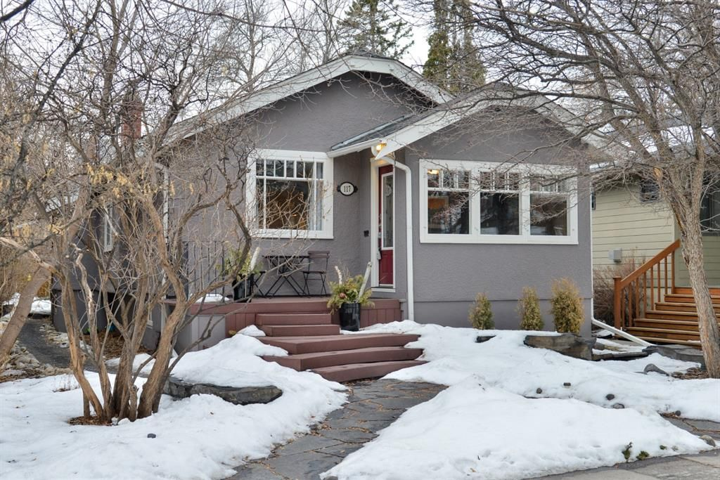 Main Photo: 117 9 Avenue NW in Calgary: Crescent Heights Detached for sale : MLS®# A1075820