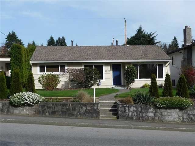 Main Photo: 2032 WESTVIEW Drive in North Vancouver: Hamilton House for sale : MLS®# V825371