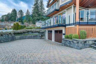 Photo 3: 541 HERMOSA Avenue in North Vancouver: Upper Delbrook House for sale : MLS®# R2560386