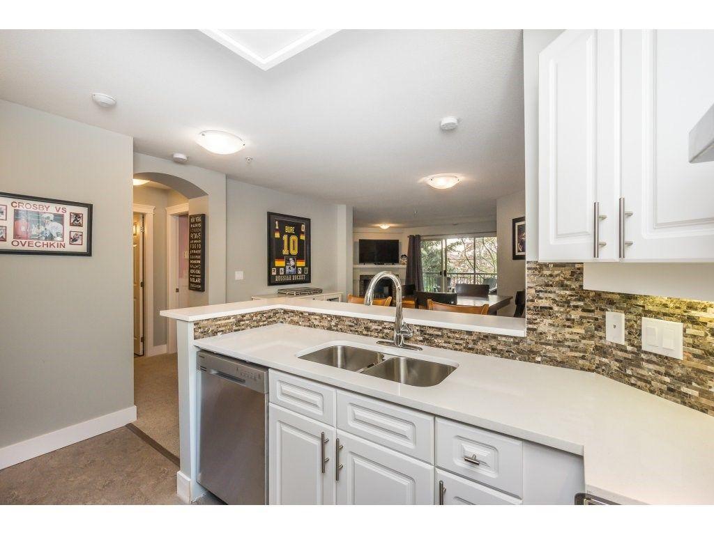 "Photo 5: Photos: 316 22025 48 Avenue in Langley: Murrayville Condo for sale in ""Autumn Ridge"" : MLS®# R2120963"