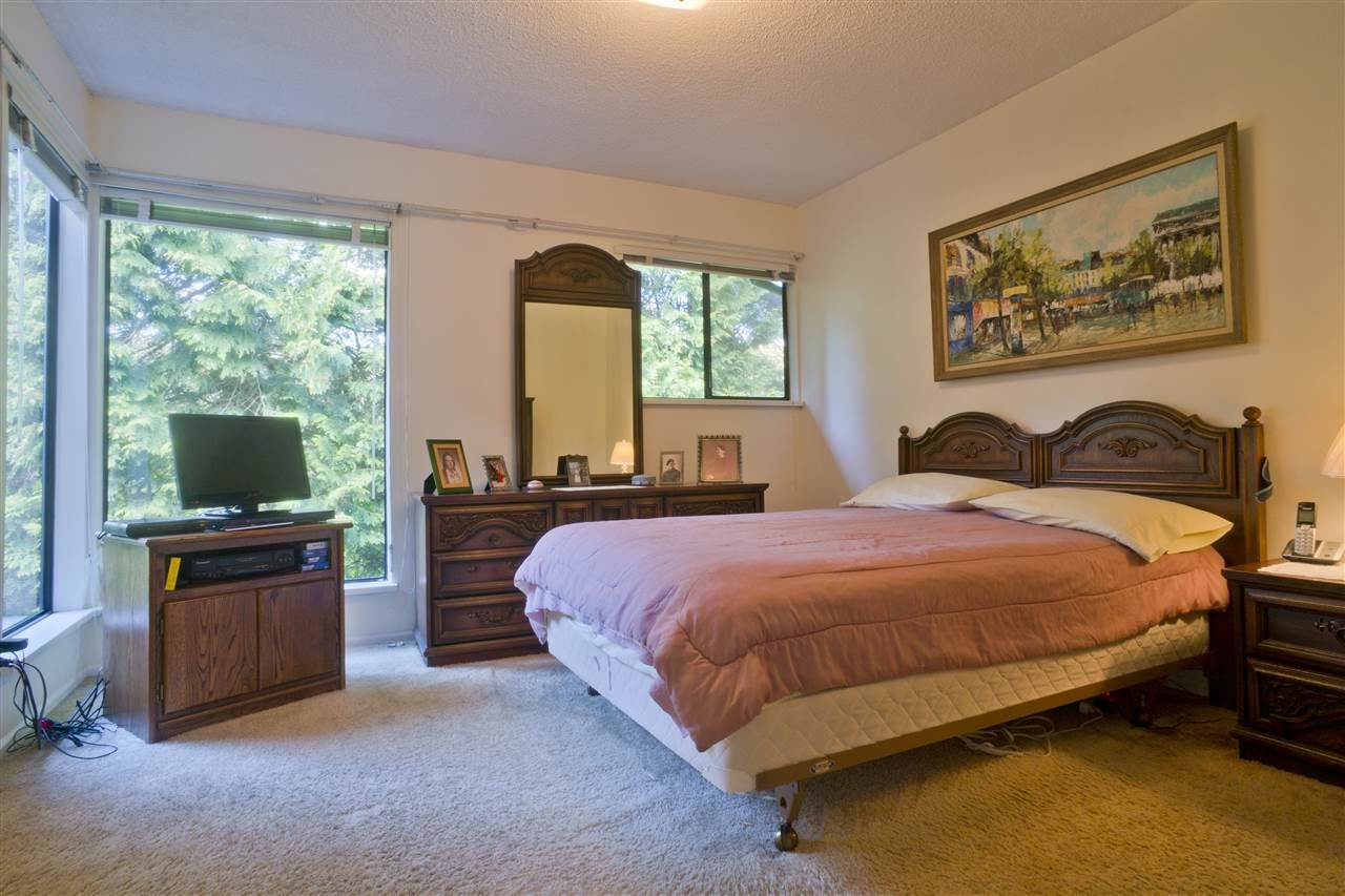 Photo 9: Photos: 4725 FERNGLEN PLACE in Burnaby: Greentree Village Townhouse for sale (Burnaby South)  : MLS®# R2163042
