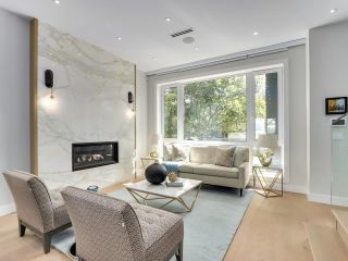 Photo 3: 3105 W 24TH Avenue in Vancouver: Dunbar House for sale (Vancouver West)  : MLS®# R2613057