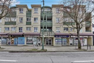 "Main Photo: PH12 868 KINGSWAY Avenue in Vancouver: Fraser VE Condo for sale in ""KINGS VILLA"" (Vancouver East)  : MLS®# R2558319"