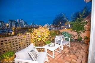 """Photo 20: 1006 IRONWORK PASSAGE in Vancouver: False Creek Townhouse for sale in """"Marine Mews"""" (Vancouver West)  : MLS®# R2420267"""