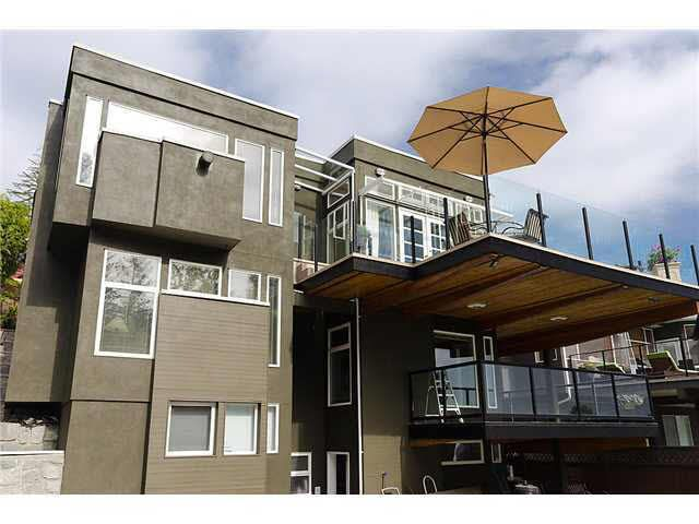 Main Photo: 4255 ST. PAULS AVENUE in : Upper Lonsdale House for sale : MLS®# V893851