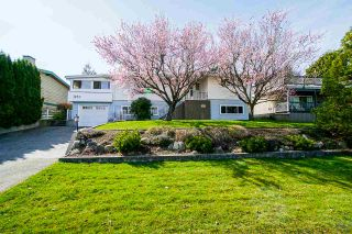 """Photo 1: 1283 PARKER Street: White Rock House for sale in """"EAST BEACH"""" (South Surrey White Rock)  : MLS®# R2562015"""