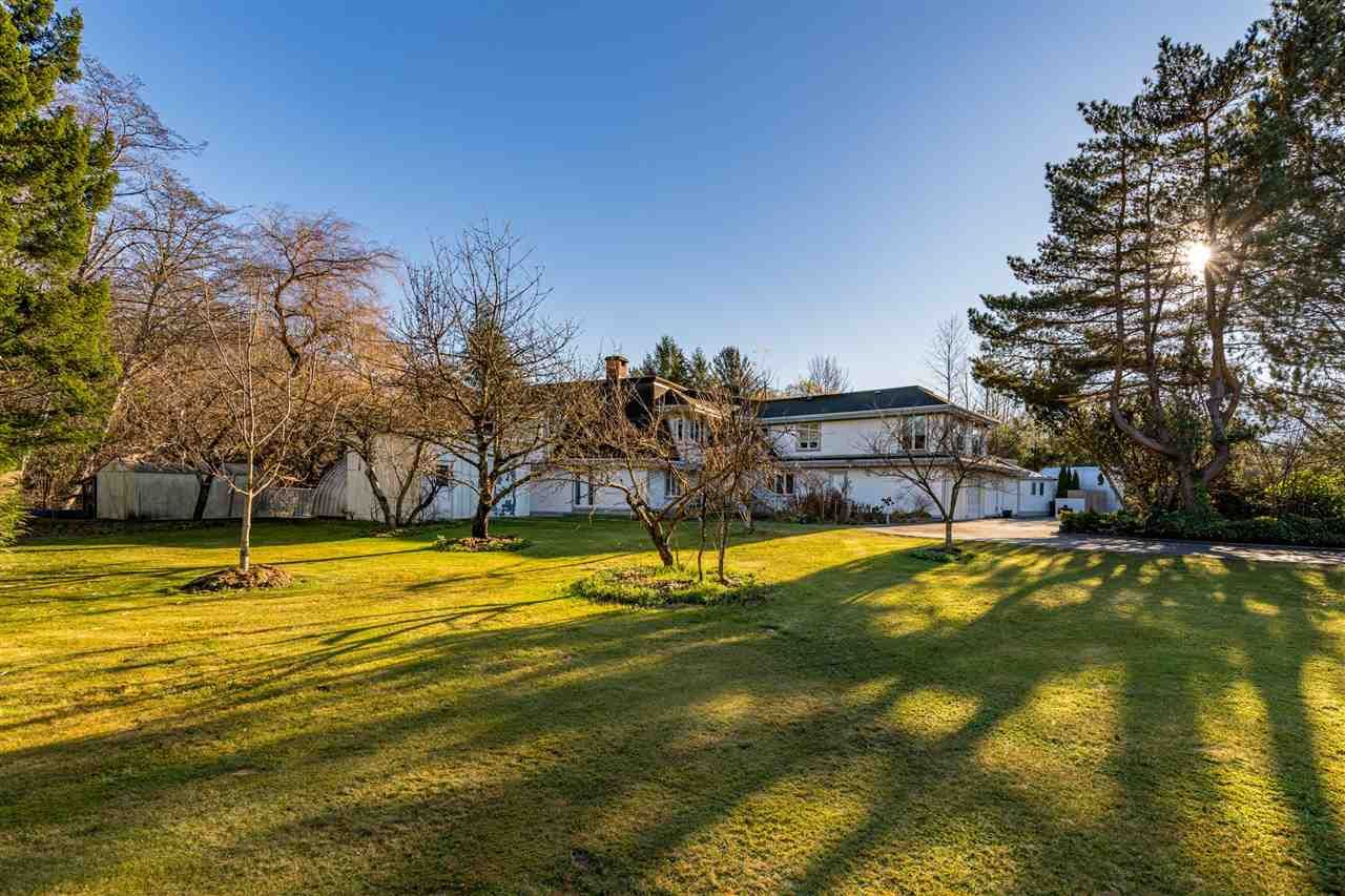 "Main Photo: 41500 MEADOW Avenue in Squamish: Brackendale House for sale in ""Brackendale"" : MLS®# R2529478"