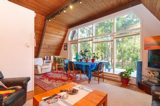 Photo 3: 6891 Woodward Dr in : CS Brentwood Bay House for sale (Central Saanich)  : MLS®# 855831