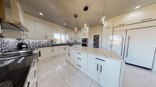 Photo 10: 916 166 Avenue in Edmonton: Zone 51 House for sale : MLS®# E4218216