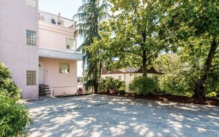 Photo 1: 968 CHARLAND Avenue in Coquitlam: Central Coquitlam 1/2 Duplex for sale : MLS®# R2114374