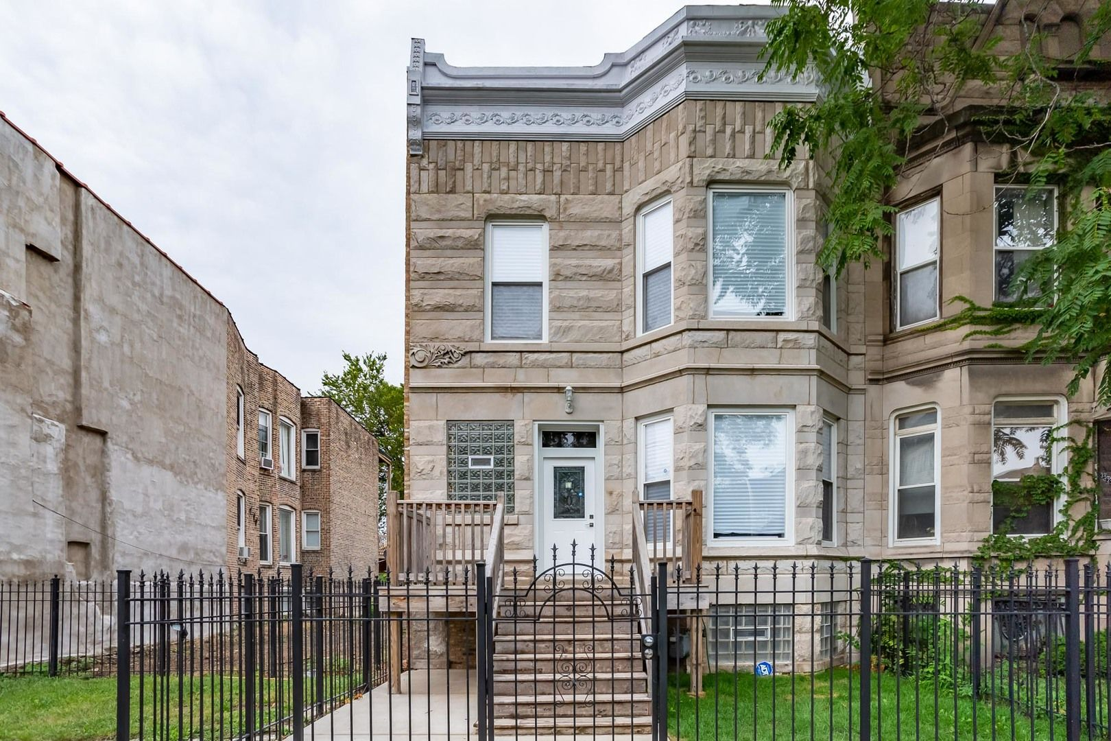 Main Photo: 3524 W Monroe Street in Chicago: CHI - East Garfield Park Residential for sale ()  : MLS®# 10857936