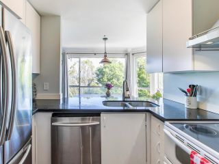 """Photo 13: 303 1166 W 6TH Avenue in Vancouver: Fairview VW Condo for sale in """"Seascape Vista"""" (Vancouver West)  : MLS®# R2603858"""