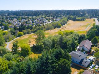 Photo 37: 2516 Sooke Rd in : Co Triangle House for sale (Colwood)  : MLS®# 879338