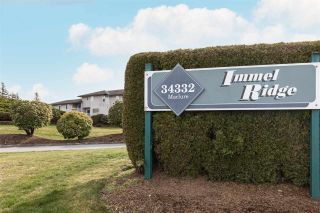 """Photo 1: 60 34332 MACLURE Road in Abbotsford: Central Abbotsford Townhouse for sale in """"IMMEL RIDGE"""" : MLS®# R2554947"""