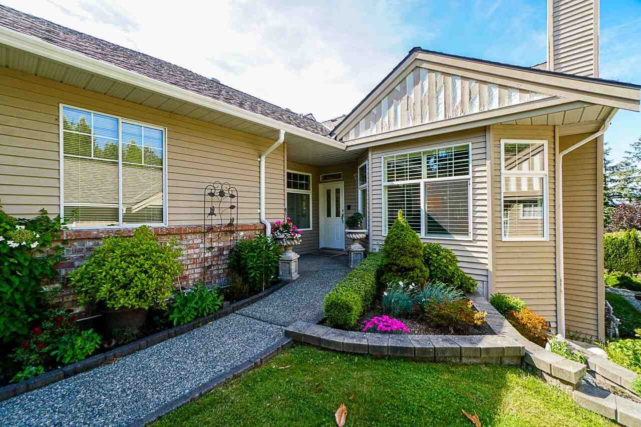 """Main Photo: 56 2533 152 Street in Surrey: Sunnyside Park Surrey Townhouse for sale in """"BISHOPS GREEN"""" (South Surrey White Rock)  : MLS®# R2380377"""