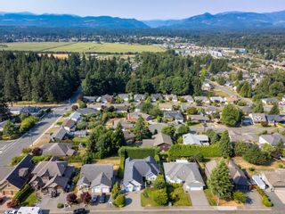 Photo 16: 875 View Ave in : CV Courtenay East House for sale (Comox Valley)  : MLS®# 884275