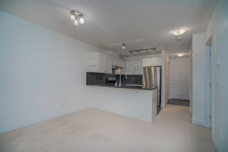 """Photo 7: 307 738 E 29TH Avenue in Vancouver: Fraser VE Condo for sale in """"CENTURY"""" (Vancouver East)  : MLS®# R2482303"""
