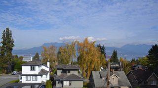 Photo 2: 4491 W 6TH Avenue in Vancouver: Point Grey House for sale (Vancouver West)  : MLS®# R2314712