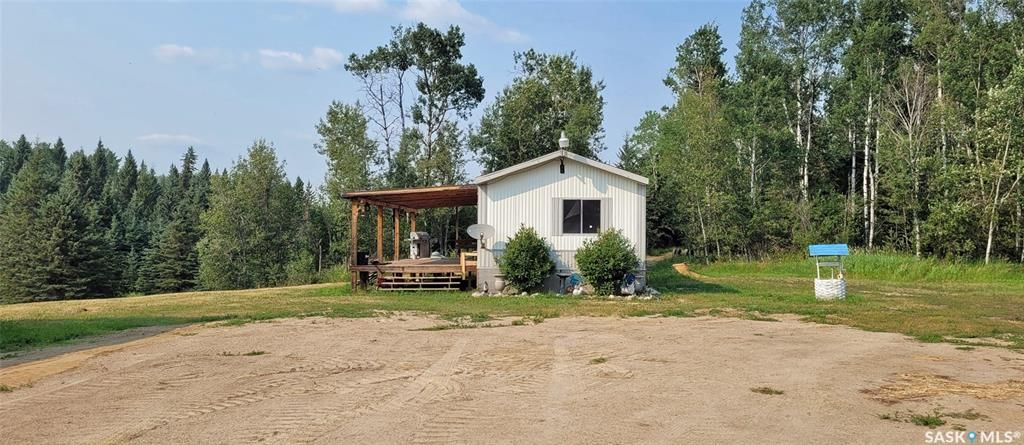 Main Photo: Forest Edge Acreage in Meadow Lake: Residential for sale (Meadow Lake Rm No.588)  : MLS®# SK865219