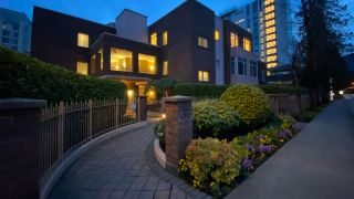 "Photo 9: 506 2271 BELLEVUE Avenue in West Vancouver: Dundarave Condo for sale in ""The Rosemont on Bellevue"" : MLS®# R2562061"