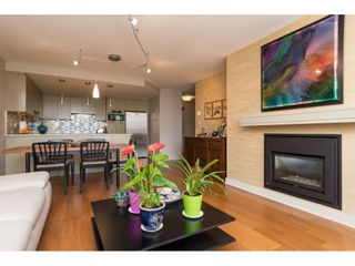 """Photo 5: 407 15111 RUSSELL Avenue: White Rock Condo for sale in """"PACIFIC TERRACE"""" (South Surrey White Rock)  : MLS®# R2181826"""