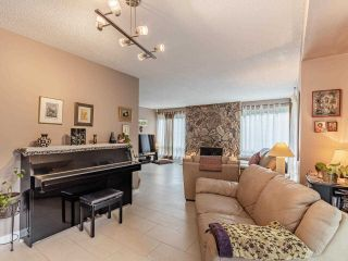 """Photo 4: 9502 WILLOWLEAF Place in Burnaby: Forest Hills BN Townhouse for sale in """"Willowleaf"""" (Burnaby North)  : MLS®# R2588078"""