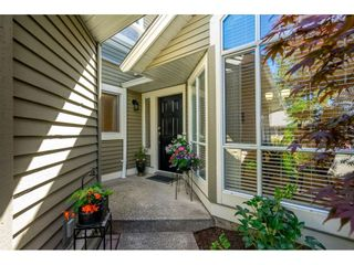 """Photo 2: 14 2672 151 Street in Surrey: Sunnyside Park Surrey Townhouse for sale in """"THE WESTERLEA"""" (South Surrey White Rock)  : MLS®# R2366733"""