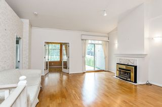 """Photo 2: 57 2533 152 Street in Surrey: Sunnyside Park Surrey Townhouse for sale in """"Bishops Green"""" (South Surrey White Rock)  : MLS®# R2480519"""