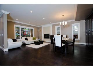 Photo 2: 1187 DORAN Road in North Vancouver: Lynn Valley House for sale : MLS®# V1035588