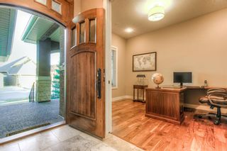 Photo 3: 72 ELGIN ESTATES View SE in Calgary: McKenzie Towne Detached for sale : MLS®# A1081360