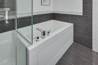 Photo 32: 1801 11969 Jasper Avenue in Edmonton: Zone 12 Condo for sale : MLS®# E4249065