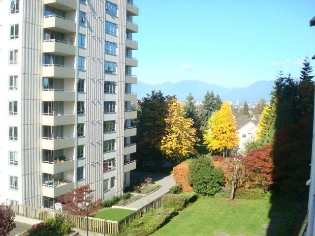 """Photo 7: Photos: # 401 5645 BARKER AV in Burnaby: Central Park BS Condo for sale in """"CENTRAL PARK PLACE"""" (Burnaby South)  : MLS®# V1031593"""