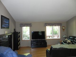 Photo 10: 63 Thomas Cove: Lakeshore Heights Residential for sale (R27)