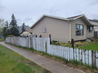 Photo 1: 220 Falton Close NE in Calgary: Falconridge Detached for sale : MLS®# A1111554