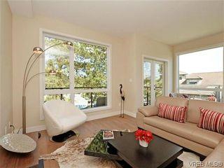 Photo 5: 4 1060 Tillicum Rd in VICTORIA: Es Kinsmen Park Row/Townhouse for sale (Esquimalt)  : MLS®# 717795