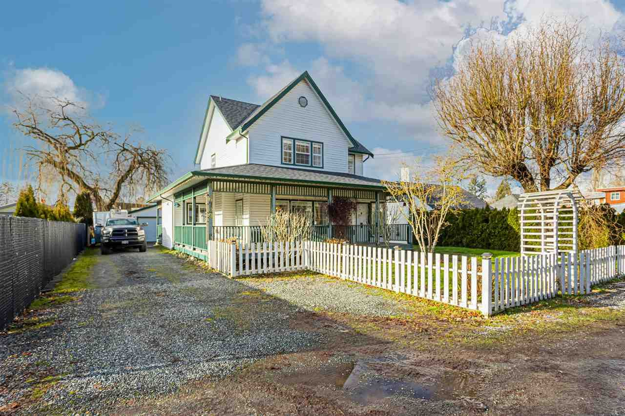 Main Photo: 6709 216 Street in Langley: Salmon River House for sale : MLS®# R2532682