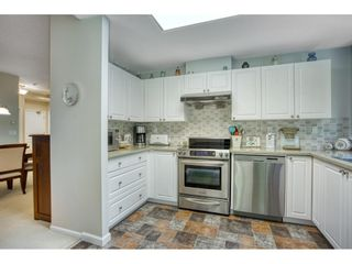 """Photo 10: 209 1785 MARTIN Drive in Surrey: Sunnyside Park Surrey Condo for sale in """"Southwynd"""" (South Surrey White Rock)  : MLS®# R2591811"""