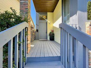 Photo 3: 248 CEDARDALE Bay SW in Calgary: Cedarbrae Detached for sale : MLS®# A1146356