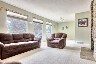 Photo 4: 5320 Silverdale Drive NW in Calgary: Silver Springs Detached for sale : MLS®# A1092393