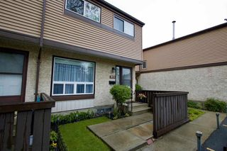 Photo 1: 613 KNOTTWOOD Road W in Edmonton: Zone 29 Townhouse for sale : MLS®# E4260710