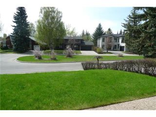 Photo 2: 1120 BEVERLEY Boulevard SW in Calgary: Bel-Aire House for sale : MLS®# C4116462