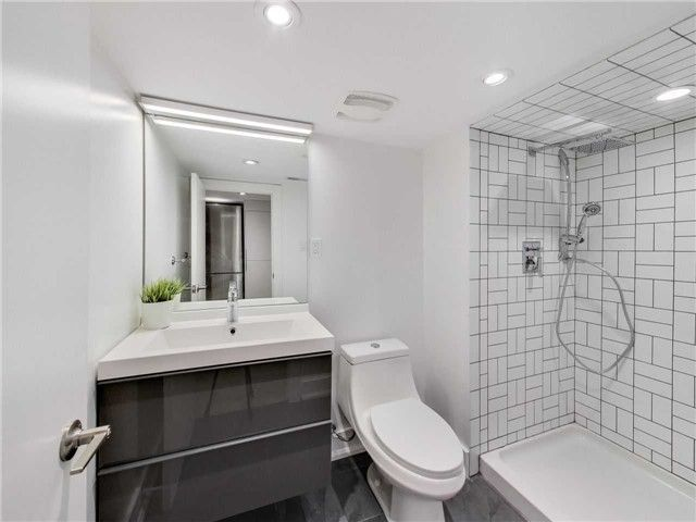 Photo 11: Photos: 601B Pape Avenue in Toronto: South Riverdale House (2 1/2 Storey) for lease (Toronto E01)  : MLS®# E4166068