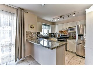 """Photo 10: 162 15501 89A Avenue in Surrey: Fleetwood Tynehead Townhouse for sale in """"AVONDALE"""" : MLS®# R2058419"""